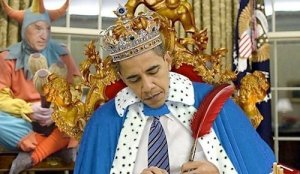 king-obama-jester-biden